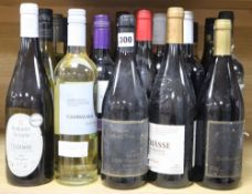 A quantity of assorted wines