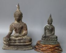 Two Thai bronze Buddhas, tallest 20cm