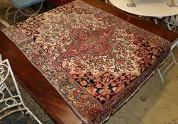 A fine 19th century Persian Ferahan Sarouk cream ground rug, 140 x 102cm 139 x 102cm