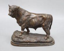 A modern bronze of a Highland bull, 20cm high