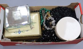 A quantity of assorted jewellery including costume and white metal.