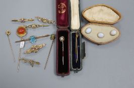 Mixed jewellery including four yellow metal and gem set stick pins, six assorted bar brooches