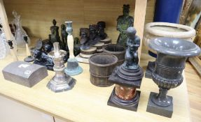 A large quantity of mixed decorative items