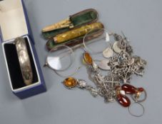 A silver twin hearts Mizpah brooch and other jewellery including charm bracelet etc.