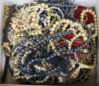 A box of costume jewellery.