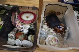 A quantity of mixed crested ceramics, glass etc