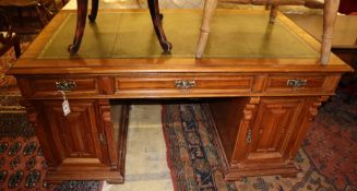 An Edwardian walnut pedestal desk, Width 144cm, Depth 79cm