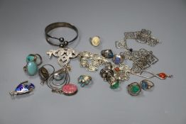 Mixed jewellery including Norwegian sterling and other items including two stylish necklaces.