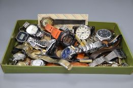 Thirty three assorted mainly gentleman's modern wrist watches including Fossil, Seiko, Casio and
