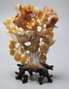 A Chinese agate model of a tree and birds, 19cm high