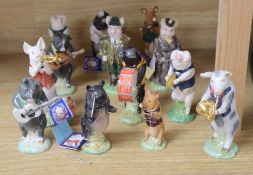 The Beswick Pig Promenade orchestra - eleven instrumentalists and two Beswick English Folk pigs