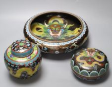 An early 20th century Chinese cloisonne enamel 'dragon' bowl, a similar box and cover and a ginger