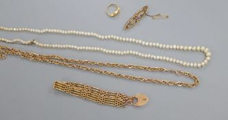 Assorted jewellery including an Edwardian 9ct gatelink bracelet, 19.1 grams, a 9ct, amethyst and