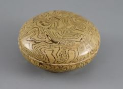 A Chinese marbled straw glazed box and cover, Tang dynasty or later, 11cm diameterCONDITION: Good
