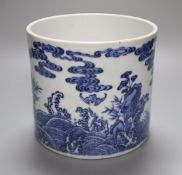 A Chinese blue and white brush pot, height 16cmCONDITION: Good condition.