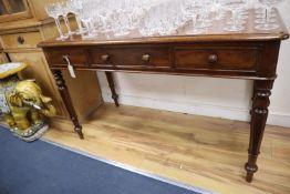 A William IV mahogany side table, width 150cm, depth 56cm, height 73cm