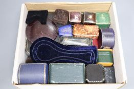 A mixed group of assorted jewellery boxes.
