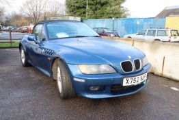 BMW Z3, registered Oct 2000, 187,950 miles, MOT expired 18.11.2020. To be sold without reserve, NO