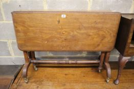 A Victorian mahogany Sutherland table, width 91cm, depth 35cm, height 67cm