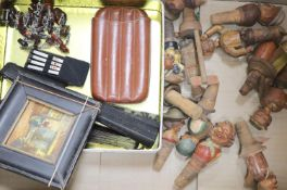 Miscellaneous collectables including novelty carved and painted wood bottle-stops, a set of engine