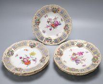 A set of five Samson of Paris floral painted dessert plates, 21cm