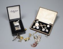 Mixed jewellery etc. including paste set cross and crescent brooch, cufflinks, lighter, a silver