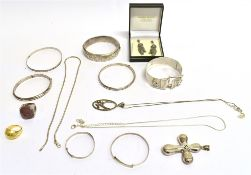 A QUANTITY OF ASSORTED SILVER JEWELLERY comprising bangles, rings, necklaces etc., stone set items