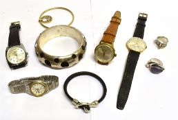 SIX ITEMS OF SILVER JEWELLERY comprising a large D profile modern slave bangle, a silver gilt wire