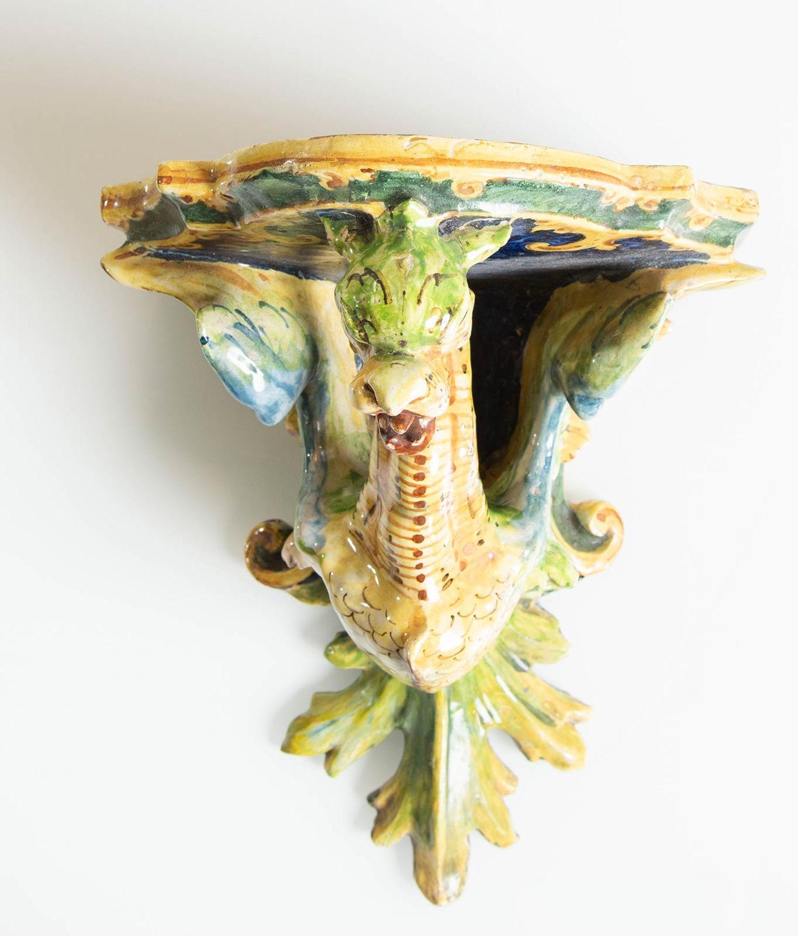 Los 7 - Manifattura Minghetti - Bologna, Mensola da parete in ceramica, fine del XIX sec.