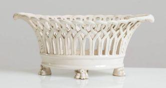 Cestina in ceramica bianca, XX sec.