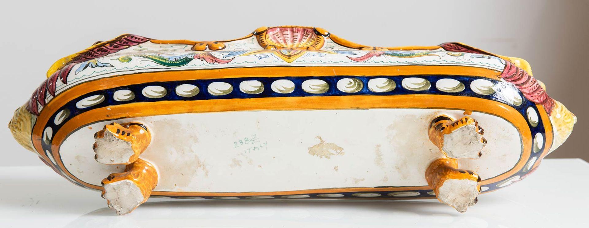 Los 17 - Manifattura Toscana, Centrotavola di forma ovoidale in ceramica, inizio del XX sec.