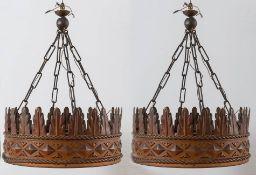 Coppia di lampadari a foggia di corona, Italia, Anni '30.