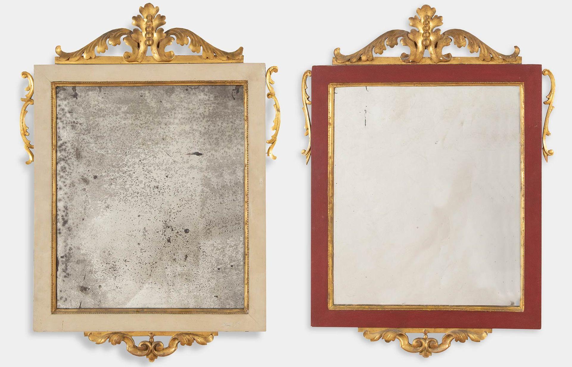 Los 30 - Due specchiere in legno intagliato, dorato e dipinto, XIX sec.