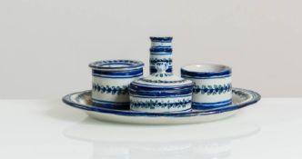 Calamaio in ceramica bianca e blu, Faenza, XIX sec.