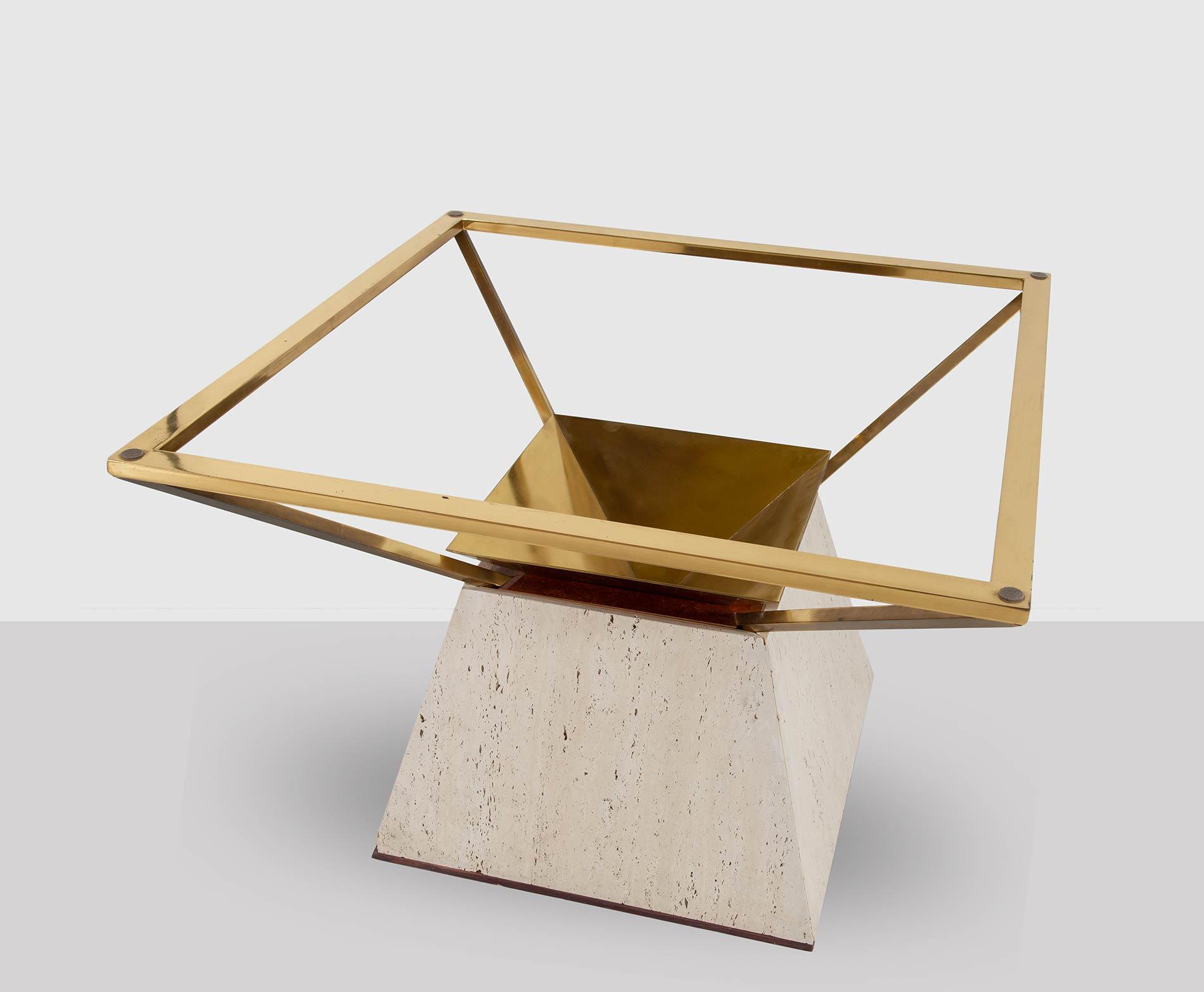Base di tavolo tronco-piramidale, Manifattura Italiana - Anni '70.