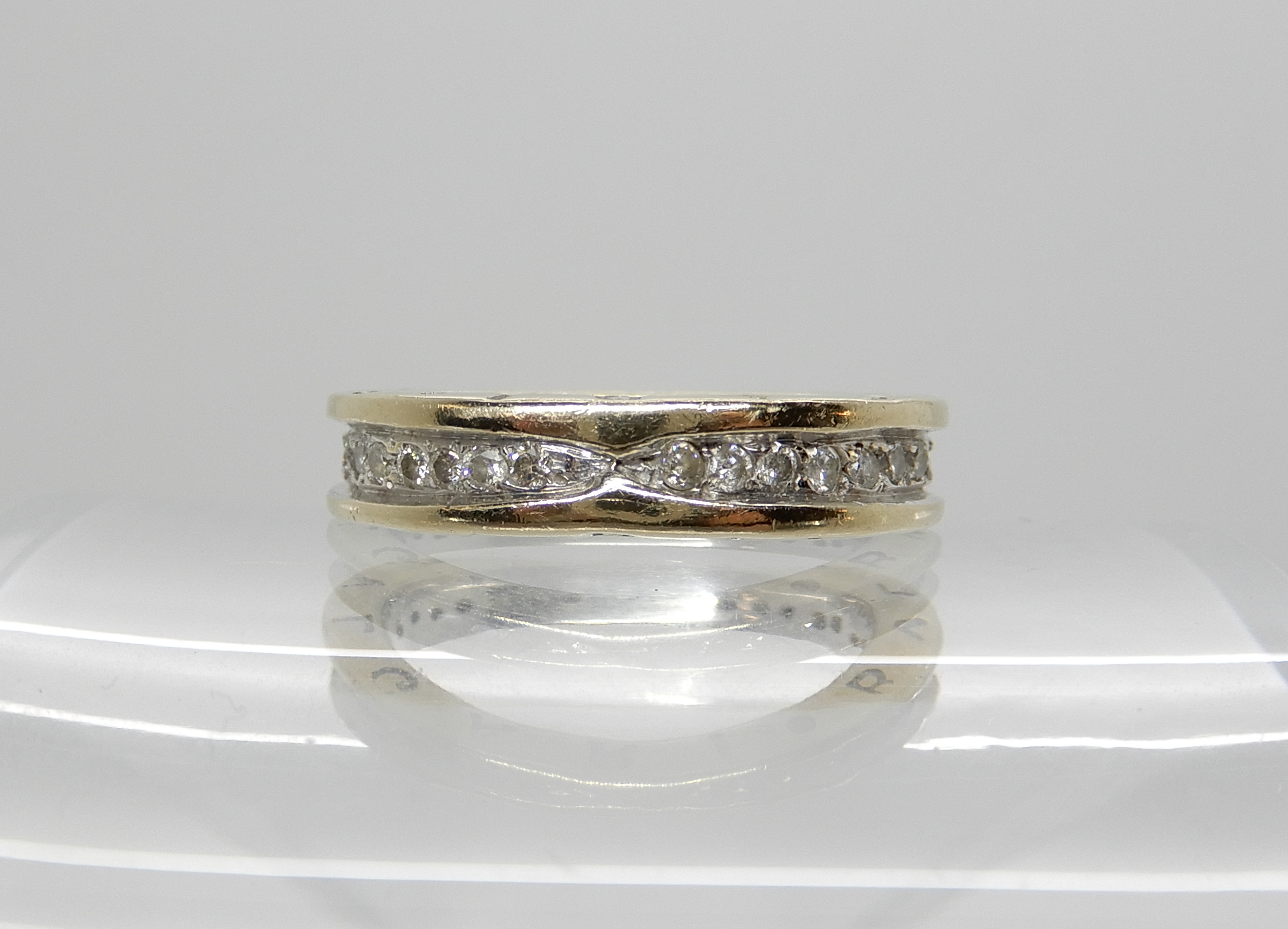 Lot 45 - An 18ct white gold diamond ring Stamped Bulgari, set with estimated approx 0.48cts of brilliant