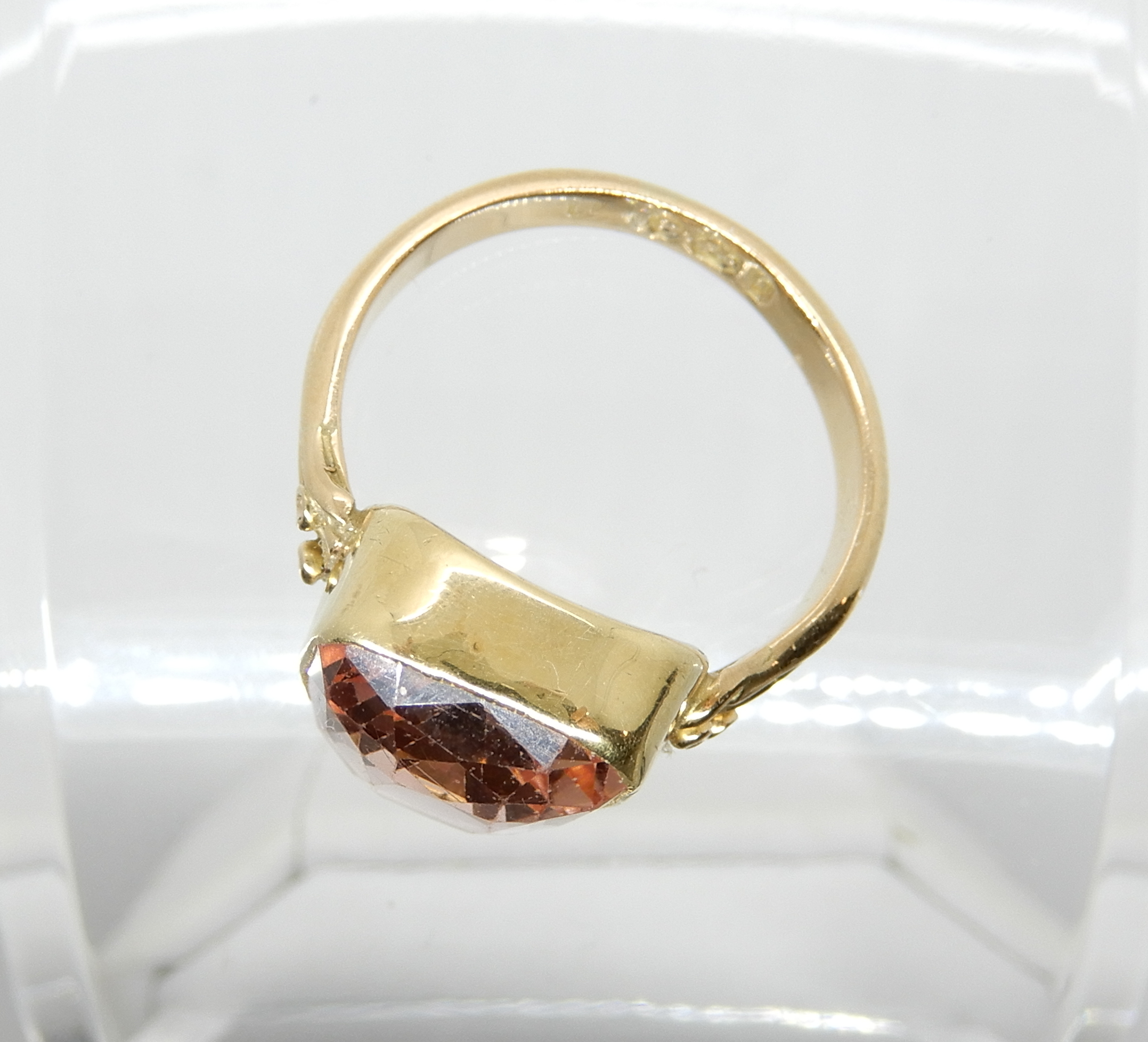 Lot 13 - An 18ct gold ring set with a large pink gem, size approx M, weight 6.7gms Condition Report: Shank