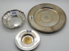 A lot comprising a silver dish, a commemorative dish, silver side plate monogrammed 'R', Glasgow