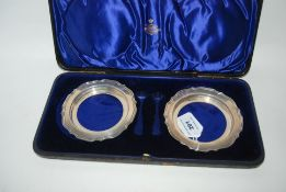A cased pair of silver dish frames, Birmingham 1930, 11.5cm diameter, 114gms Condition Report: