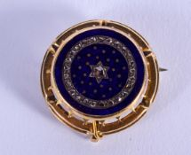 AN ANTIQUE GOLD ENAMEL AND DIAMOND BROOCH. 8.2 grams. 2.75 cm wide.
