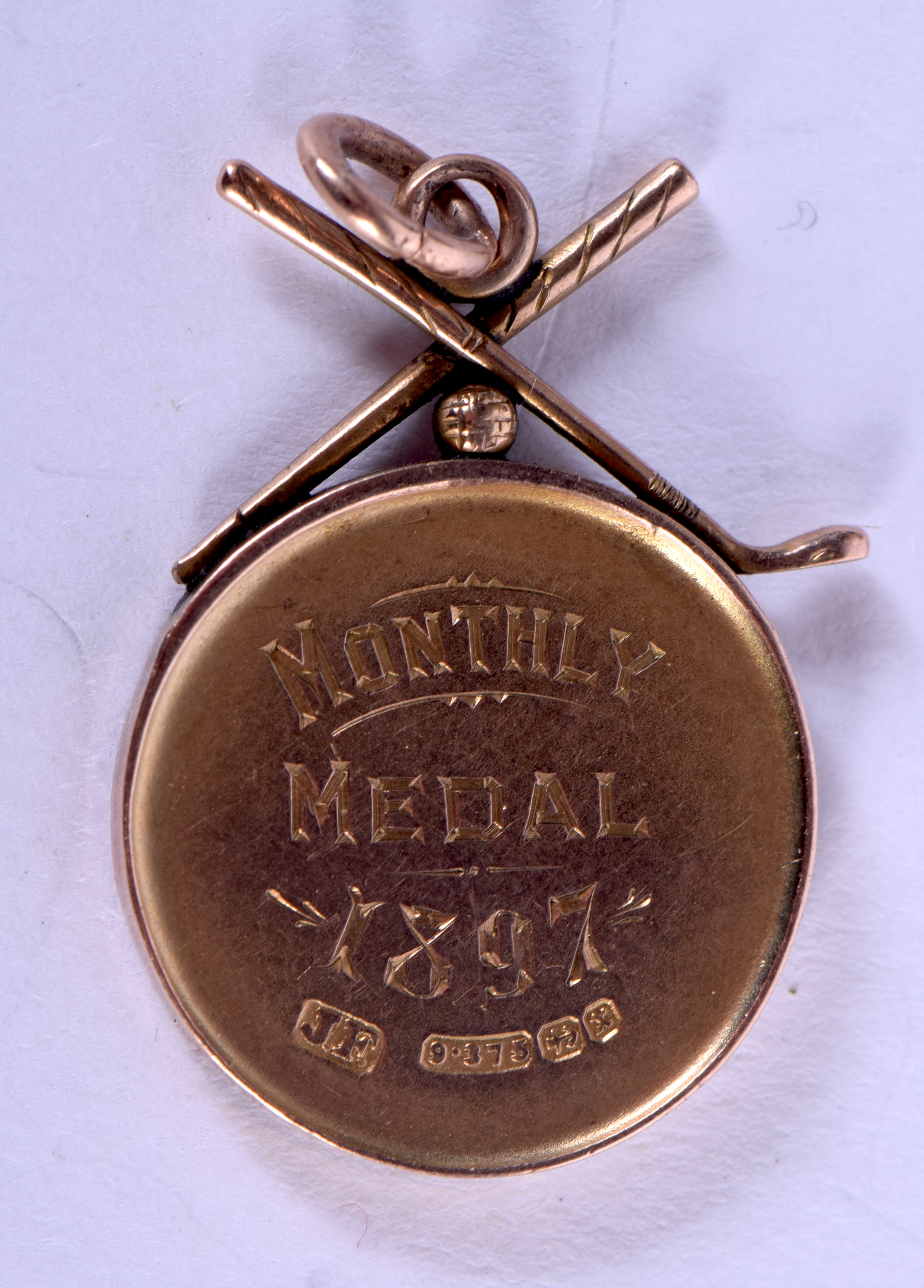 A VICTORIAN 9CT GOLD MEDAL. 4 grams. 1.5 cm wide. - Image 2 of 2