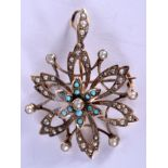 AN EDWARDIAN 9CT GOLD PEARL AND TURQUOISE BROOCH. 3.8 grams. 2.75 cm wide.