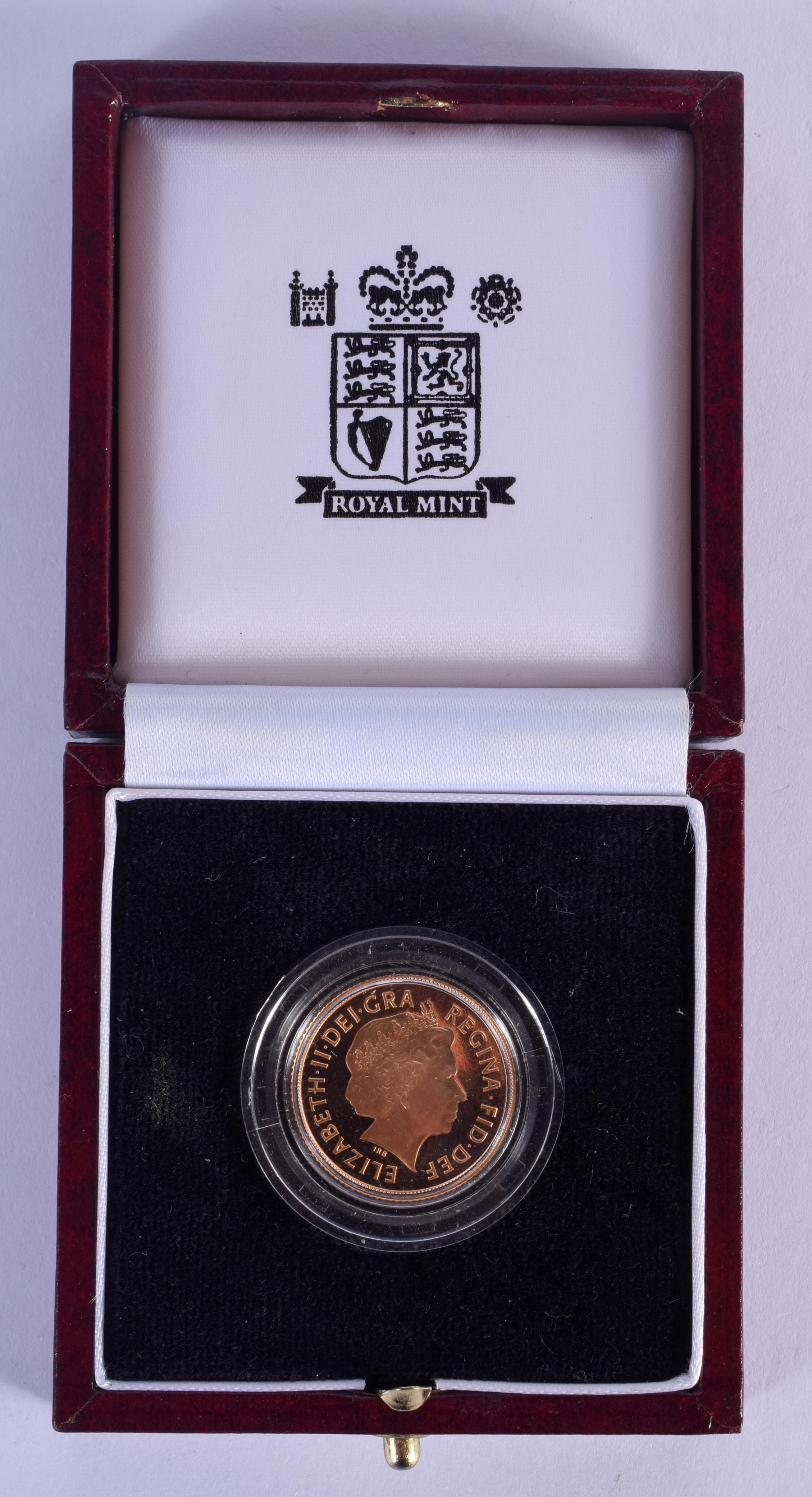 A BOXED 1998 PROOF SOVEREIGN. 2 cm diameter.