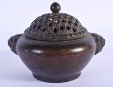 A CHINESE BRONZE CENSER AND COVER 20th Century. 11 cm wide.