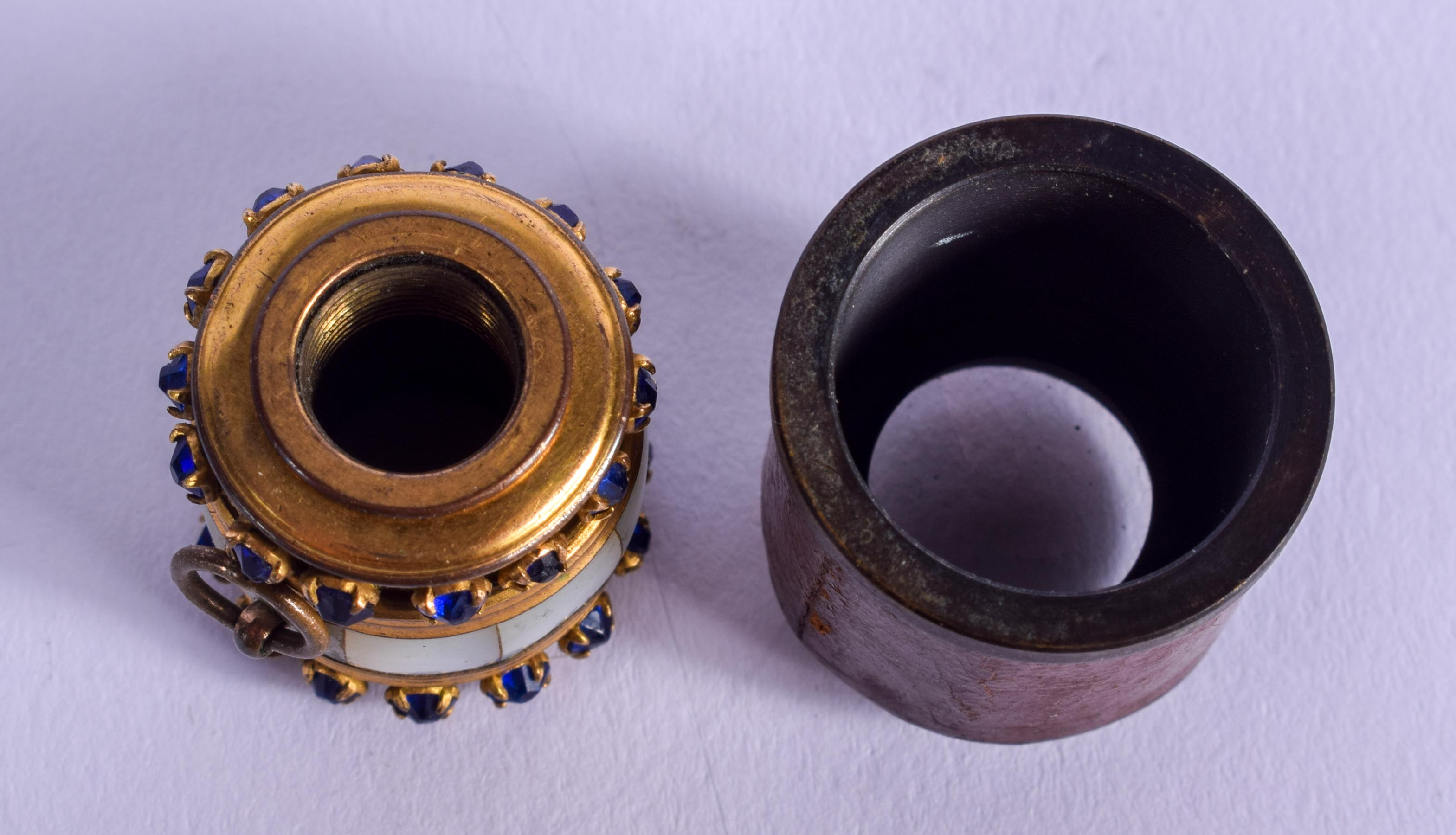 TWO RARE ANTIQUE SINGLE LENS MINIATURE MONOCULAR. (2) - Image 4 of 4