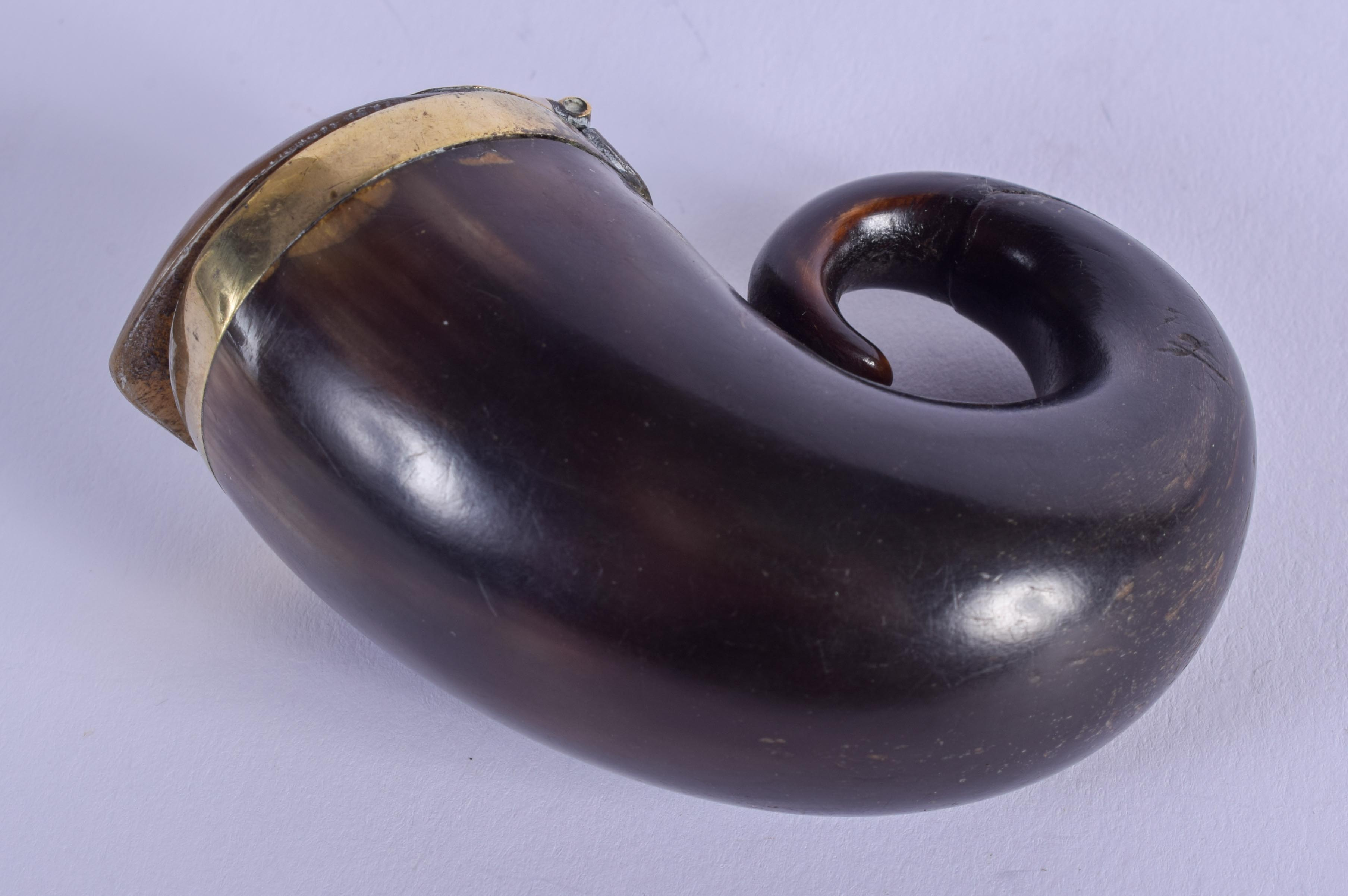AN ANTIQUE SCOTTISH HORN SNUFF MULL. 6 cm x 6.5 cm. - Image 2 of 3