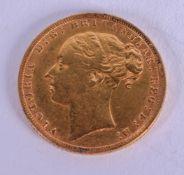 AN 1872 VICTORIAN GOLD SOVEREIGN. 8 grams.