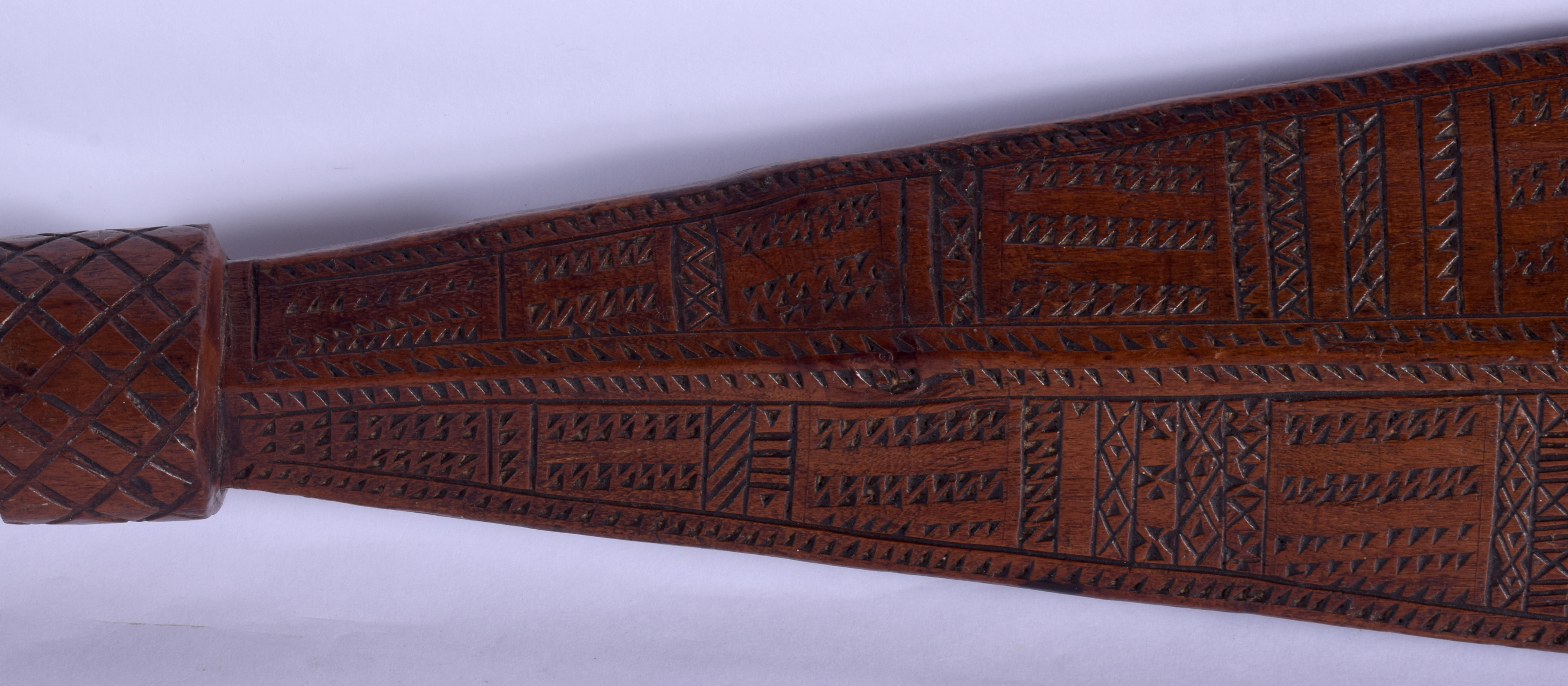 A 19TH CENTURY TONGAN SAMOAN CARVED TRIBAL CLUB decorated with geometric motifs. 68 cm long. - Image 3 of 8