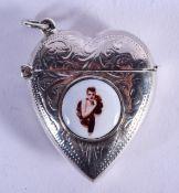 A SILVER HEART VESTA CASE. 3.25 cm wide.