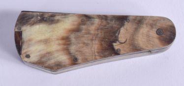 AN ANTIQUE SCOTTISH HORN TRIPLE BLADE POCKET KNIFE. 8 cm wide closed.